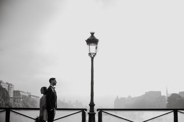 photo couple Paris